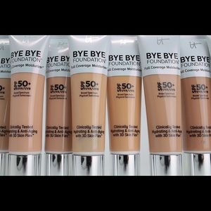 BYE BYE Foundation - light medium